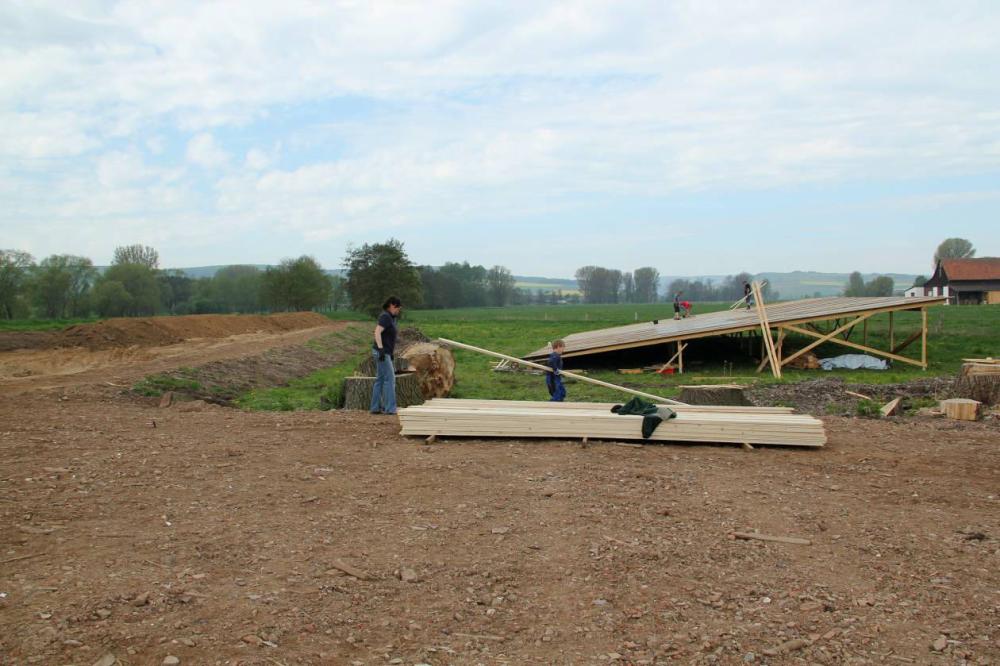 Die Anlage wird später auf dem neu erstellten Wohnhaus fest installiert werden.