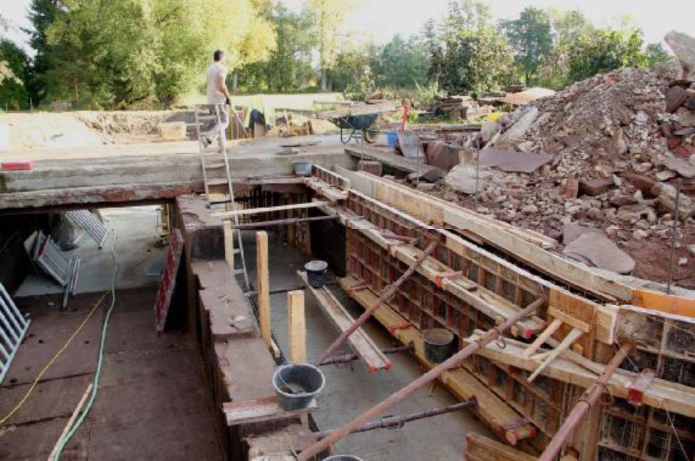 Im Bereich der Brücke ist die Sanierung so gut wie abgeschlossen.