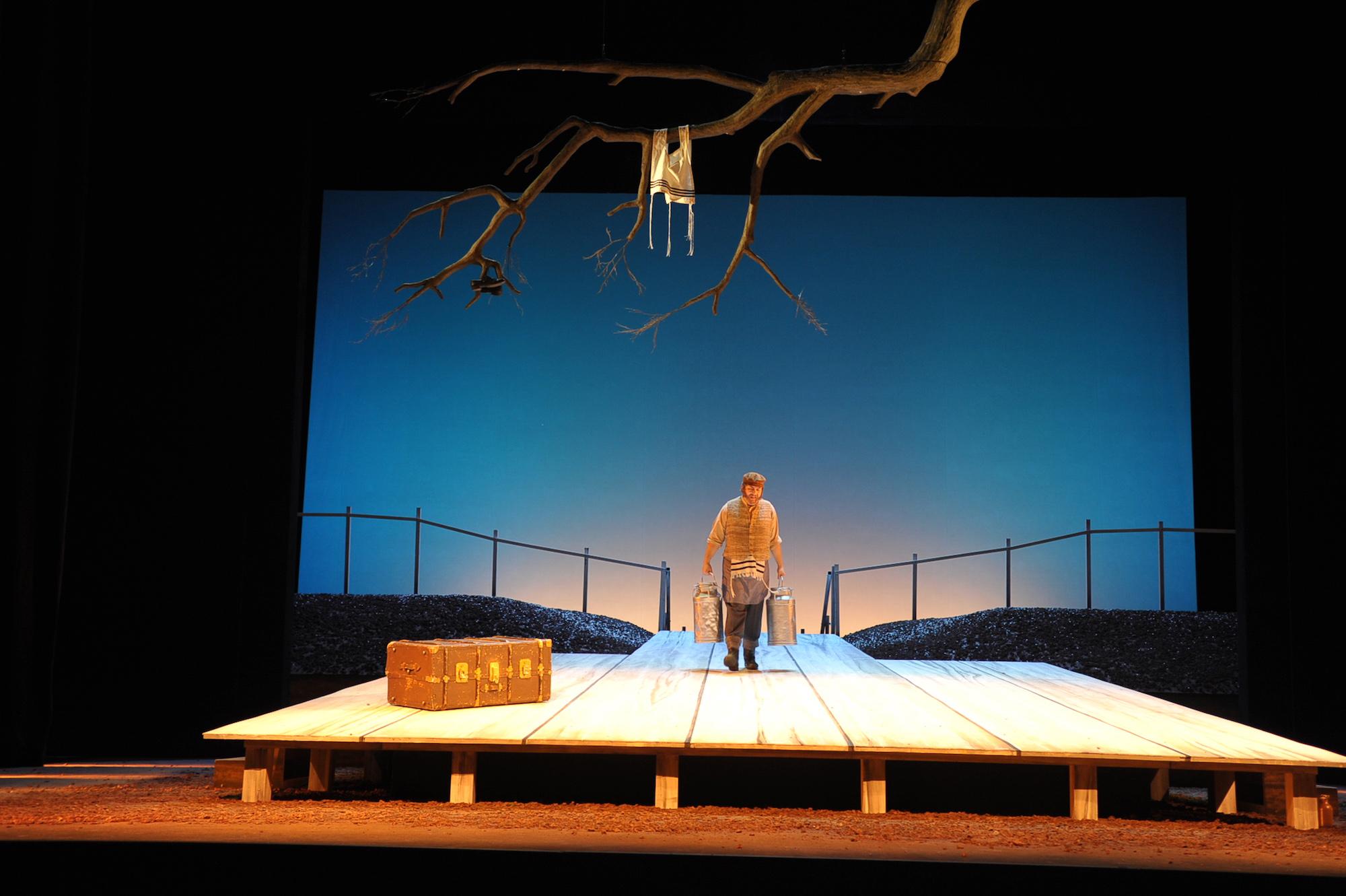 Anatevka - Pfalztheater © H.-J. Brehm-Seufert (Regie Anatol Preissler)