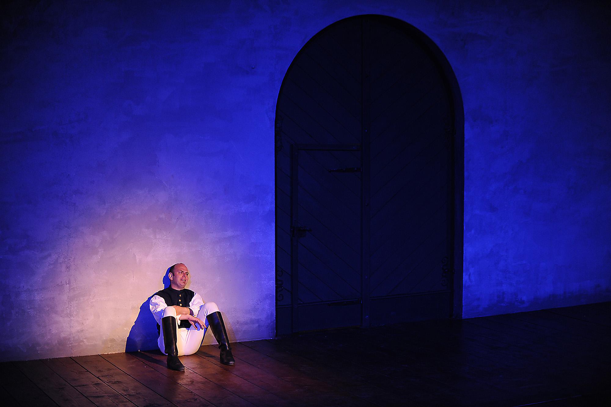 Amphitryon - Freiburg Wallgraben Theater (Regie Anatol Preissler)