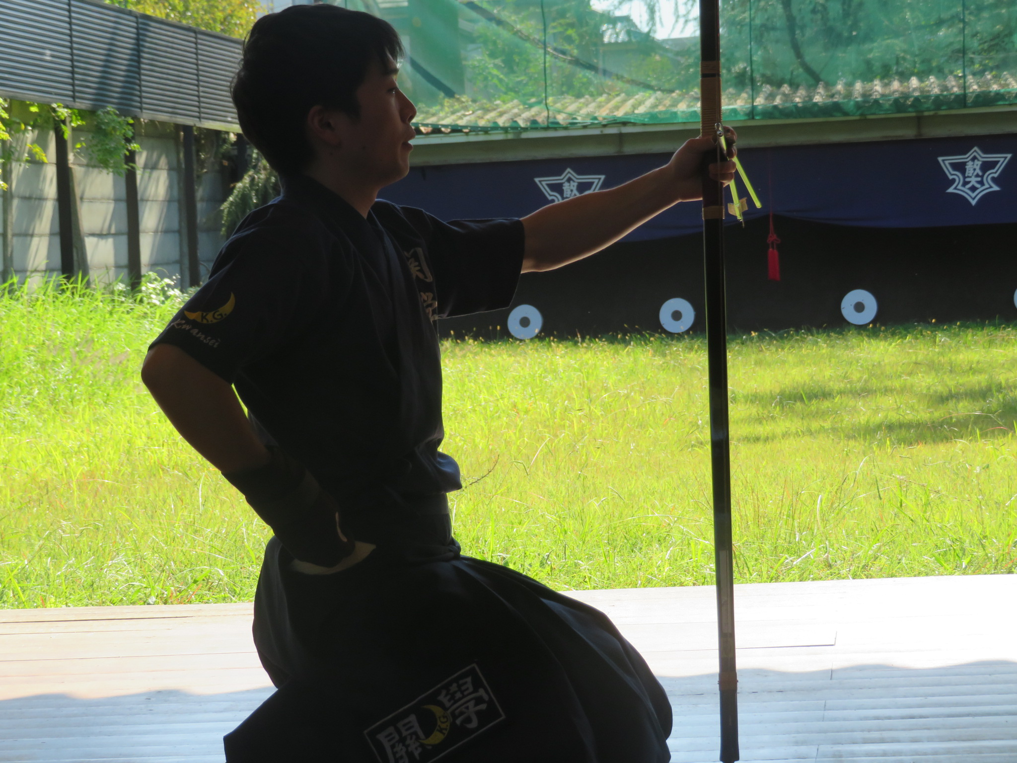 前 二的 小西(2)大学から弓道を始めました