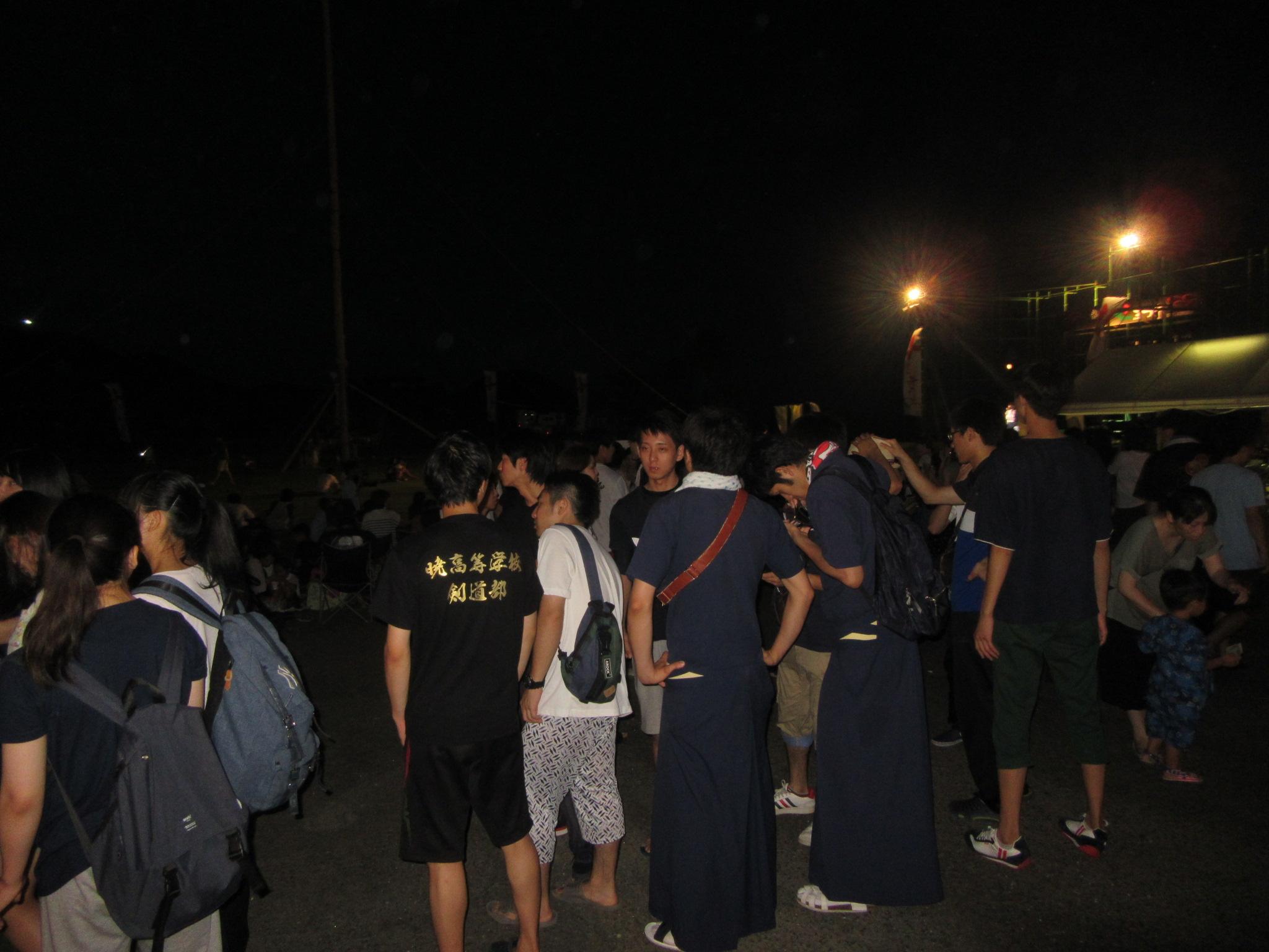 夜は地元のお祭りに参加 中村荘の中村会長が招待してくださいました