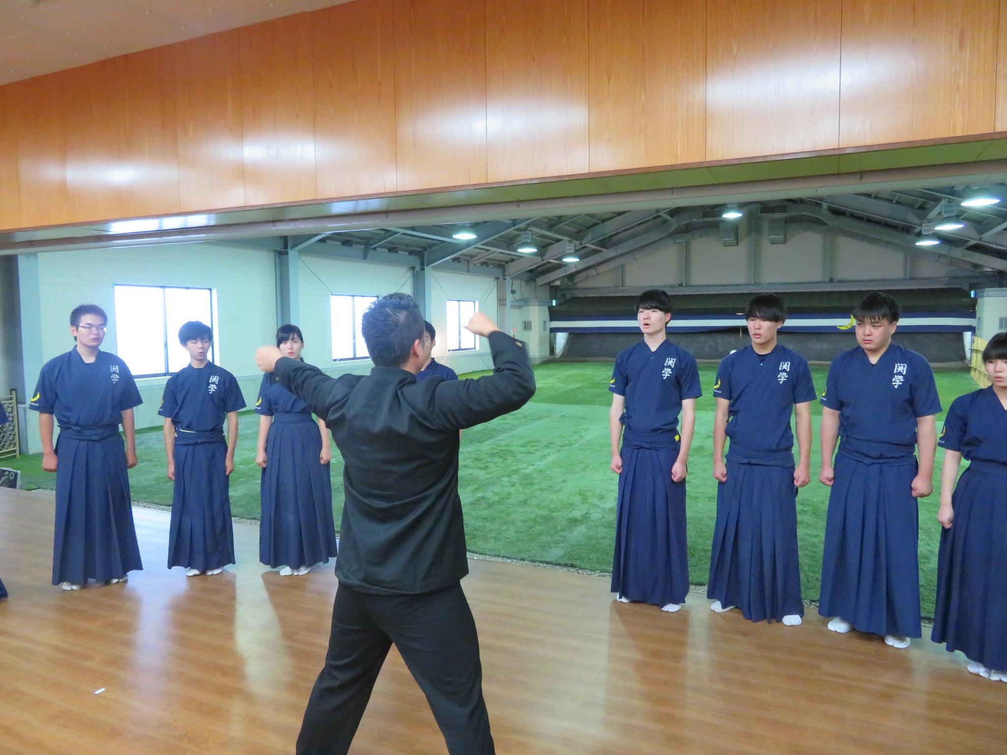 応援歌 校歌 エール交歓(指揮:神学部2年染田隆道)