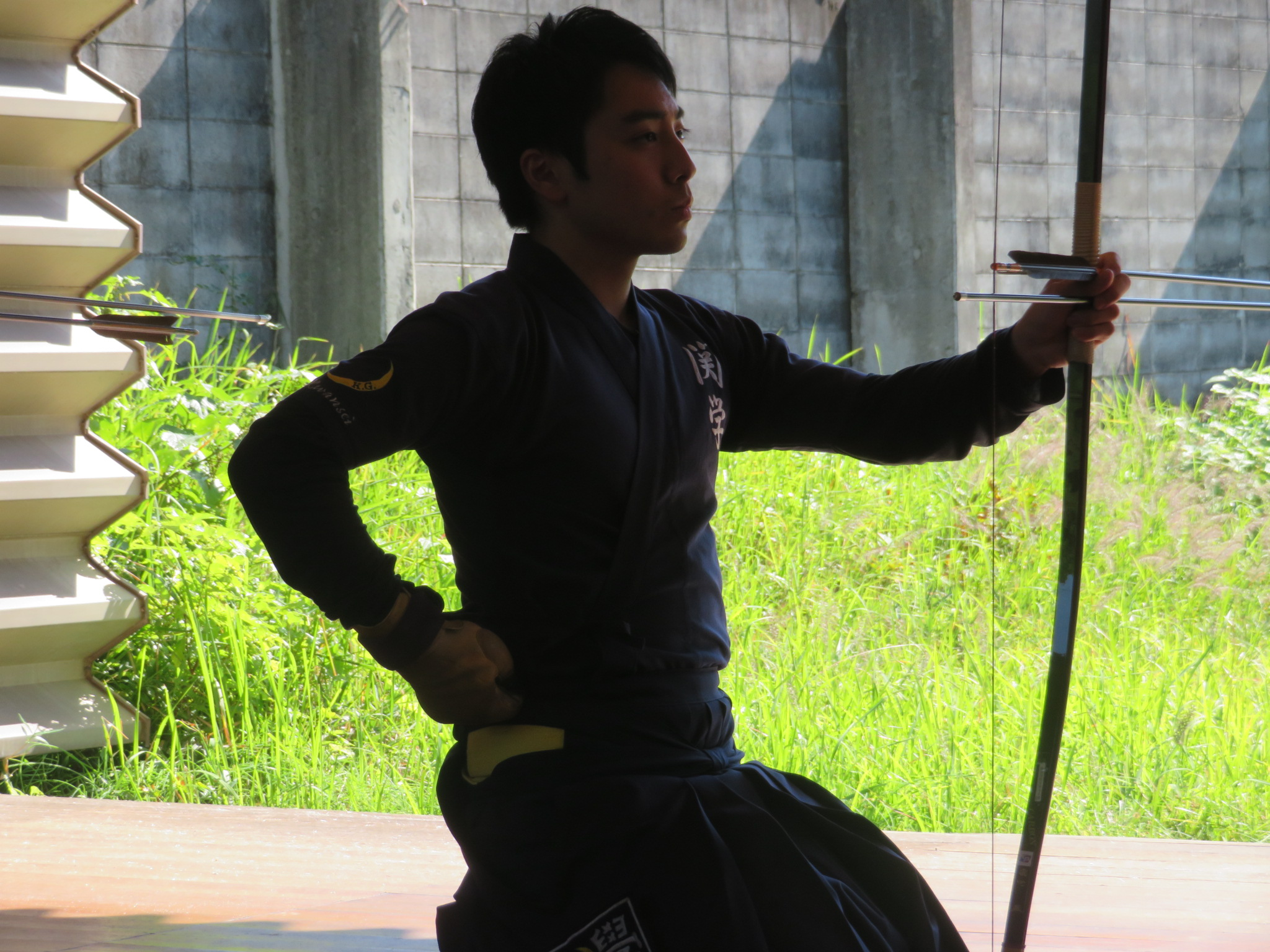 前 落前 三木(3)同じく大学から弓道を始めました