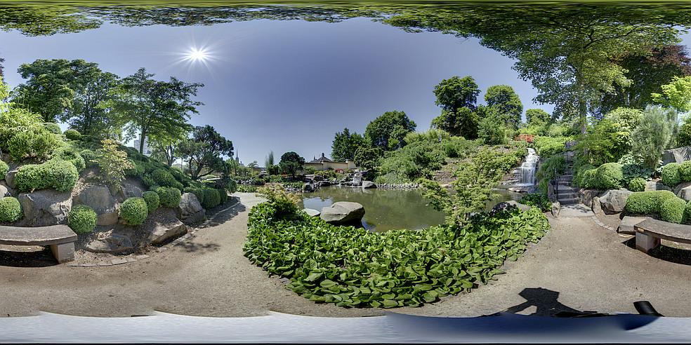 download waterfall_japanese_garden