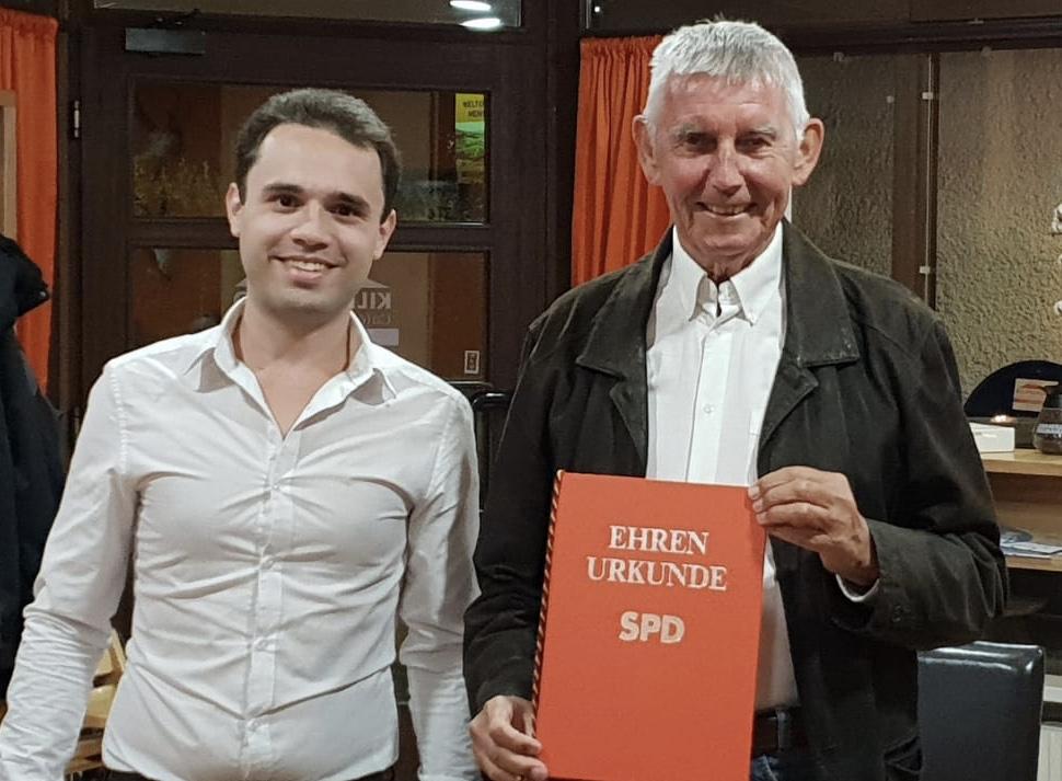Hartmann Räther ist erstes Ehrenmitglied der SPD Taufkirchen