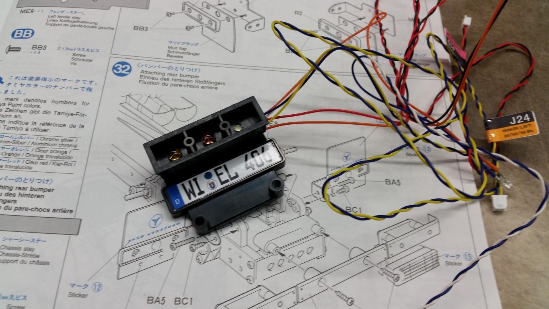 Zusammenbau der Heckleuchten mit Blinker, Rück- und Bremslicht und Rückfahrleuchten