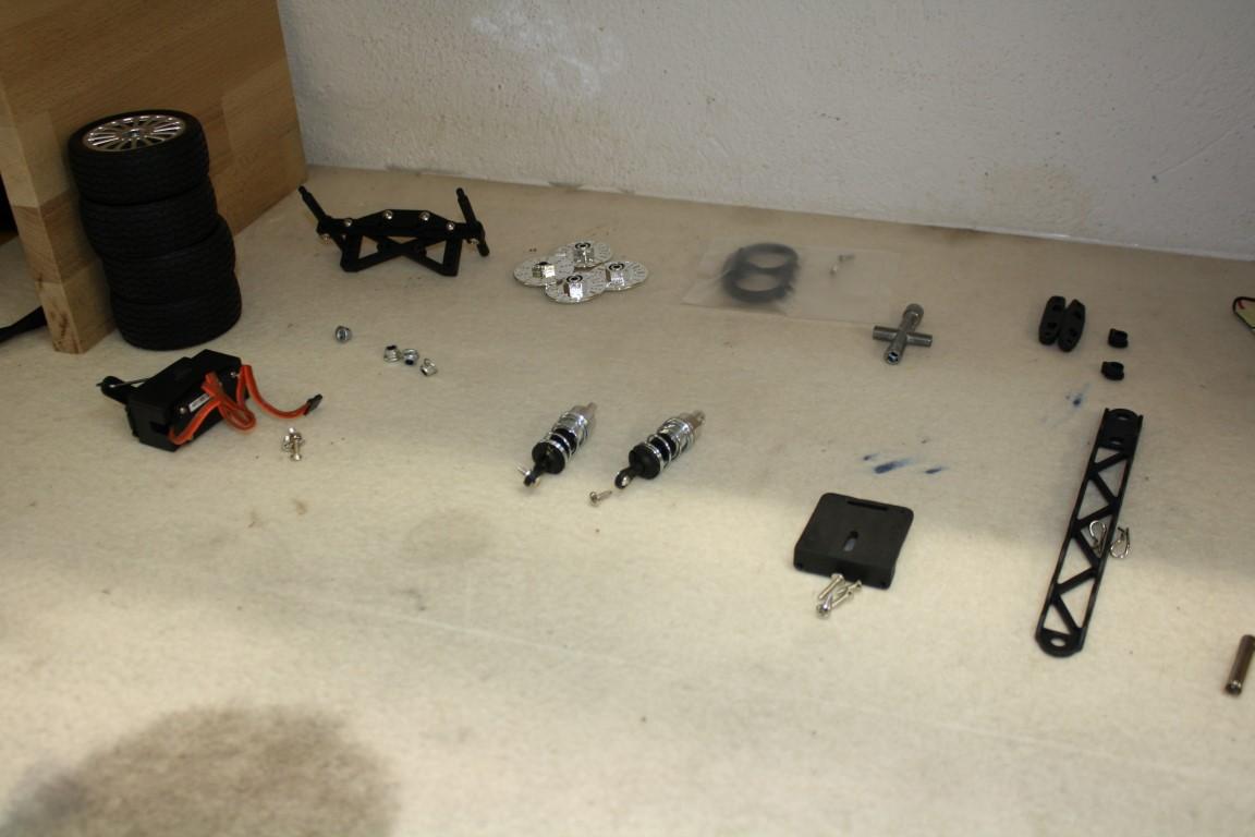 Diverse Teile: Räder, Stoßdämpfer....