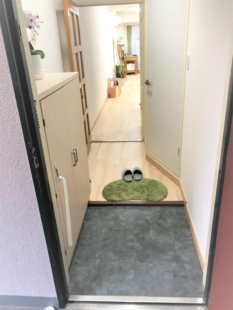玄関を入るとこんな感じです