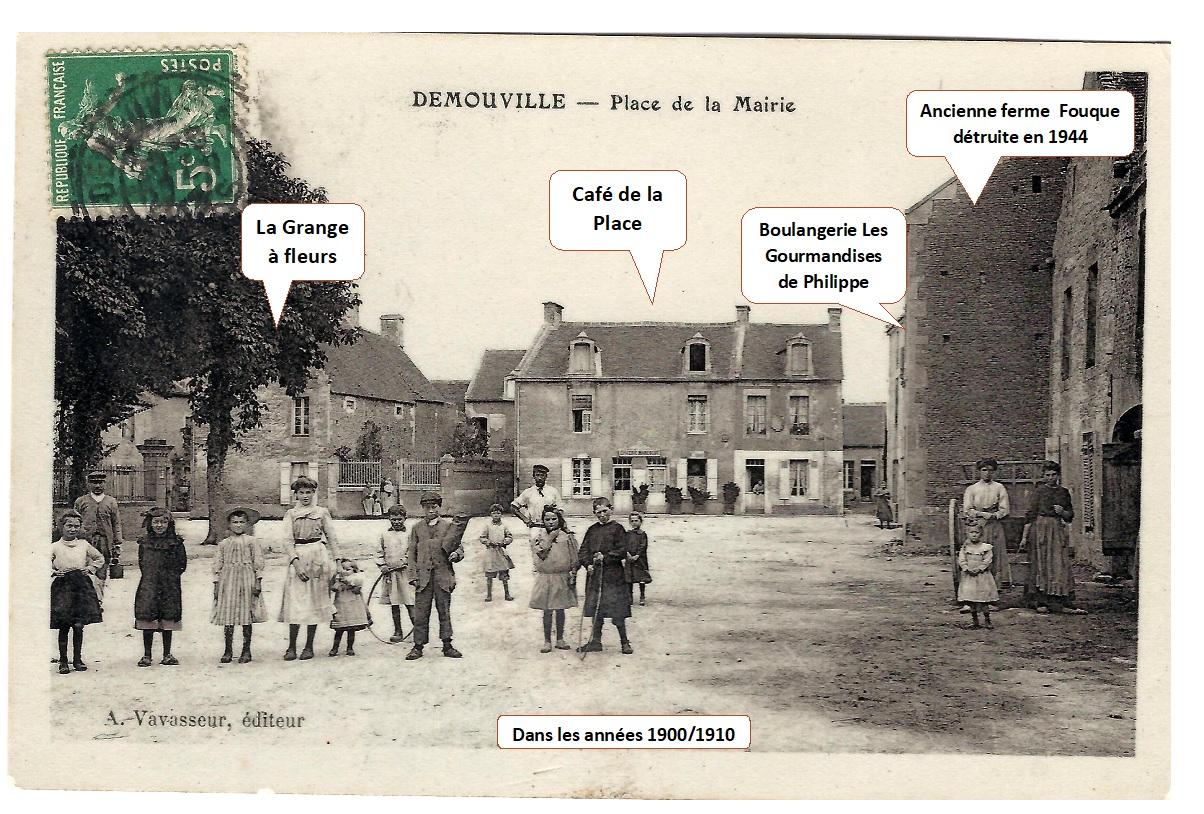 Place de la Mairie dans les années 1900/1910 (Carte postale ancienne)