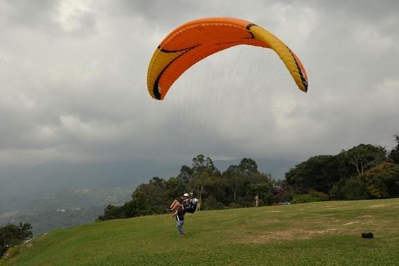 Mit den leichten Gegenwind geht es schnell in die Luft