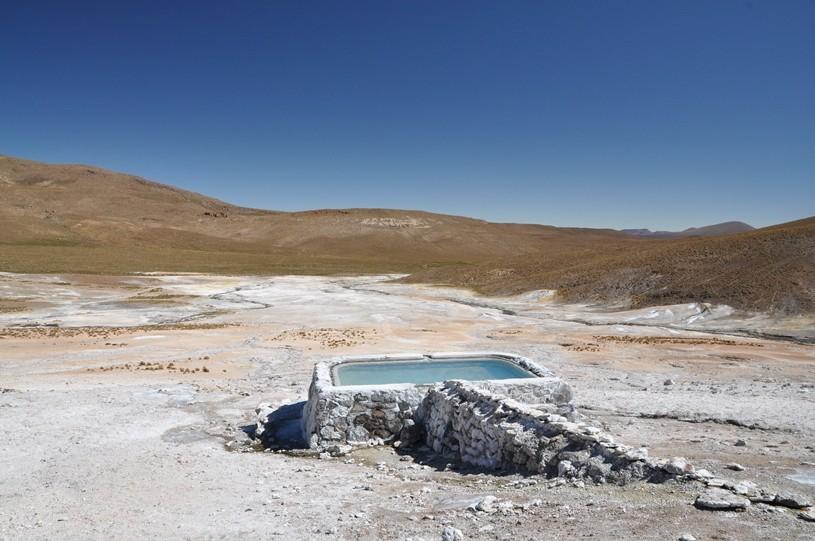 Wunderschöner Pool, leider zu kalt zum Baden.