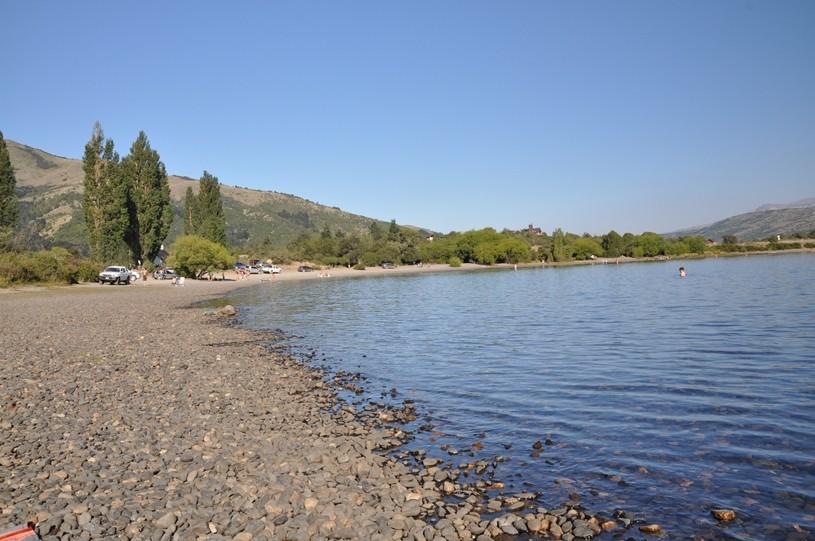 Strand mit glasklarem Wasser