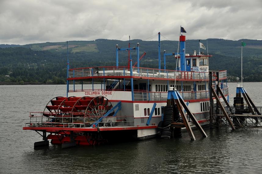 Der Schaufelraddampfer auf dem Columbia River