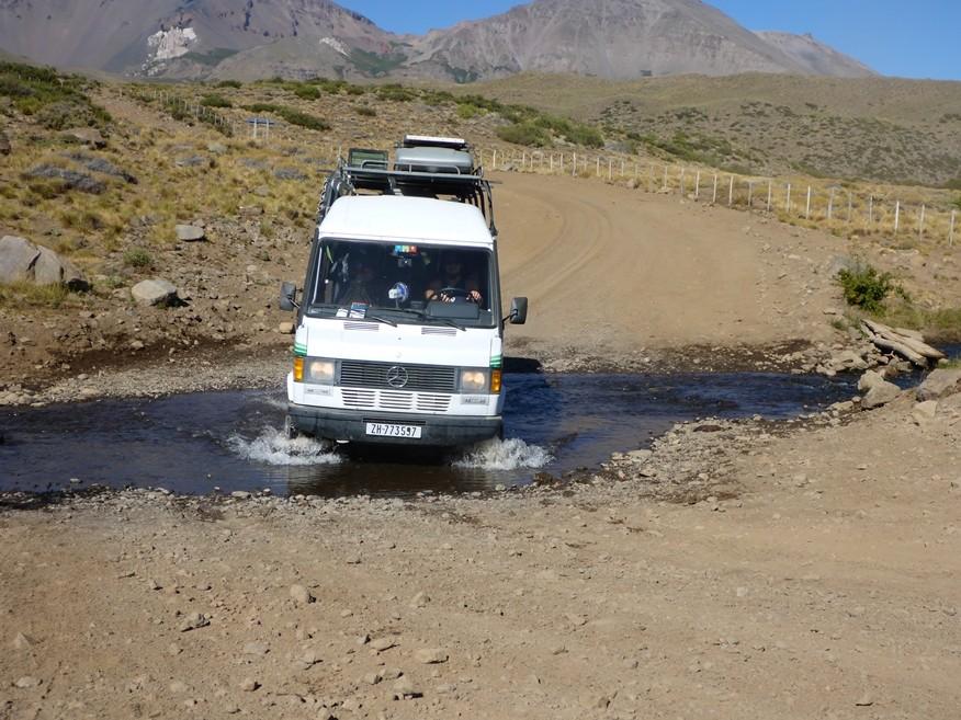Flussdurchfahrt auf dem weg zum Paso Pichachen