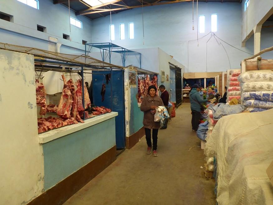 Markt in Uyuni - Vor allem wird Lamafleisch verkauft