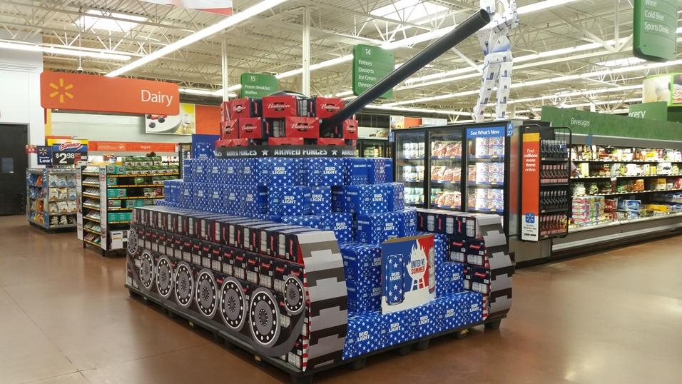 Bud Bier im Walmart in Form eines Panzers!