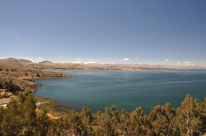 Lago Titicaca und Cordillera Real im Hintergrund