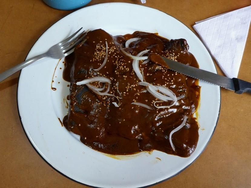 Mole Poblano - Eine sehr scharfe Schockoladensauce zu Tacos