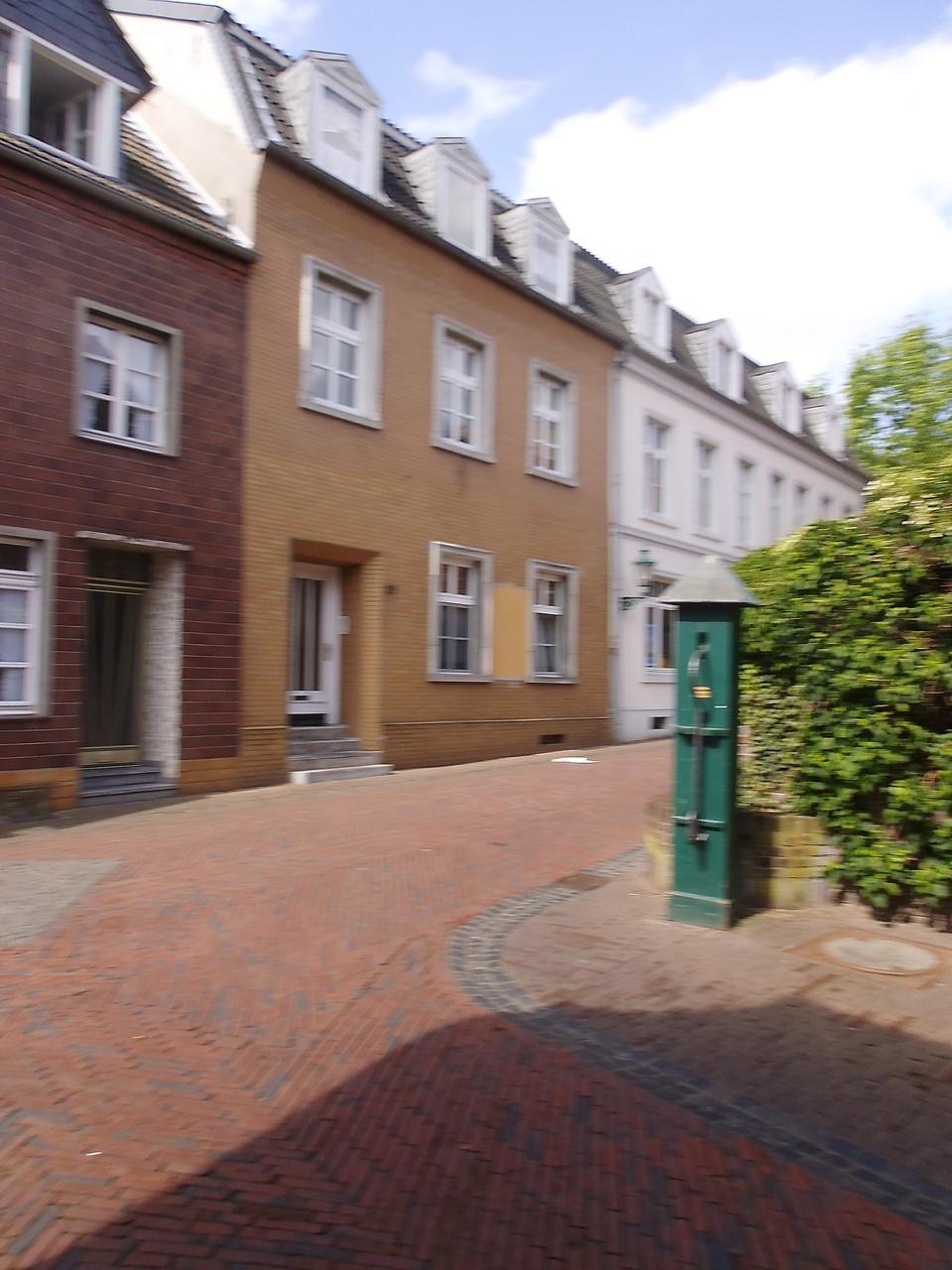 rechts Klosterstr