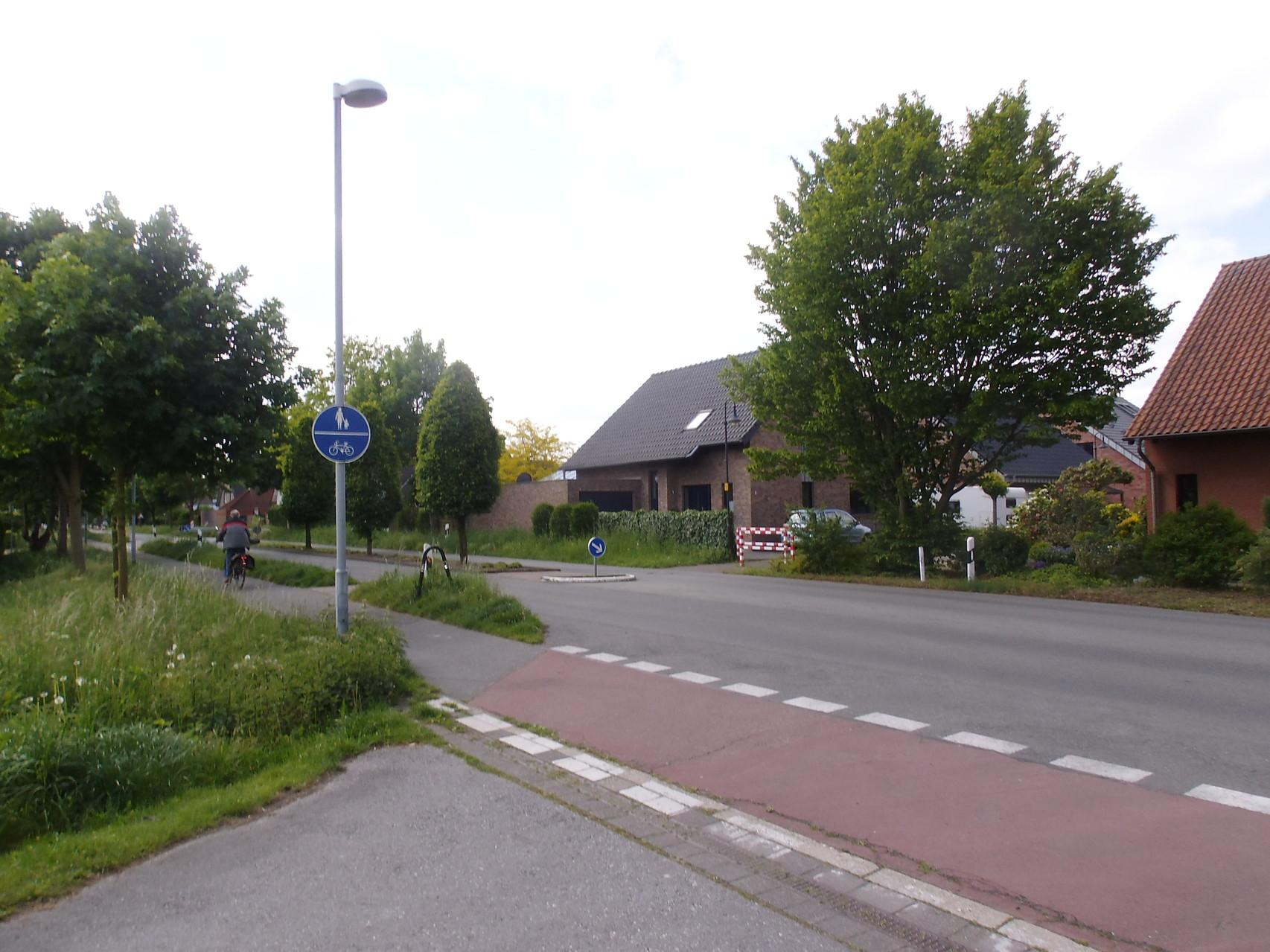 links Walbecker Str Richtung Centrum