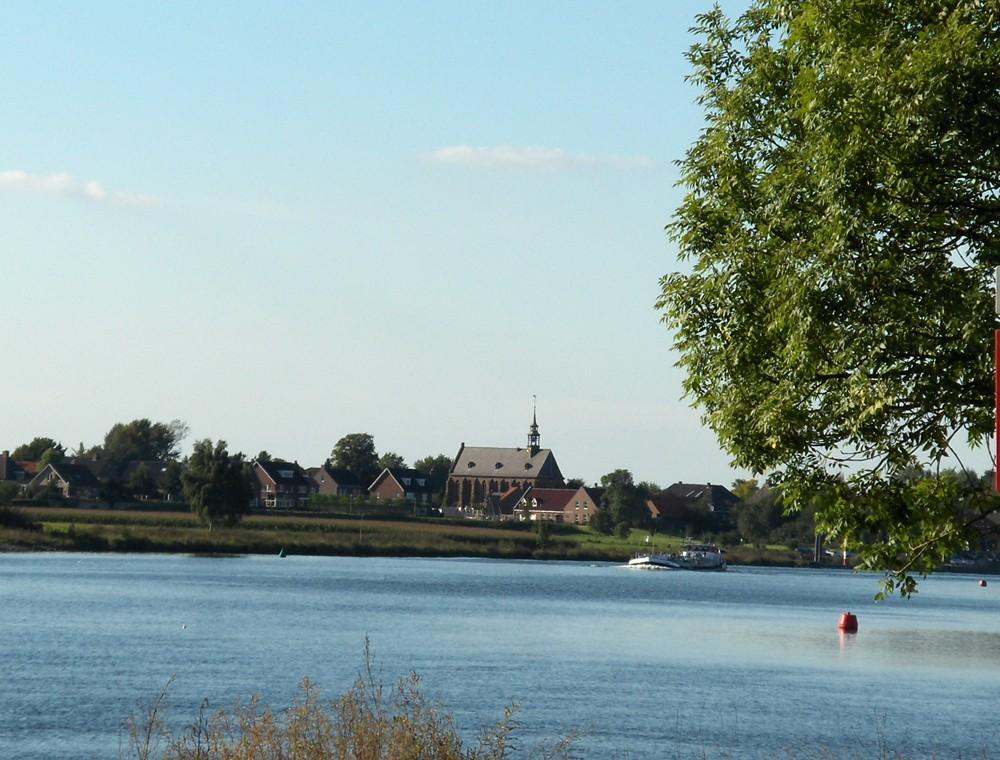 Maas Sicht auf Broekhuizen