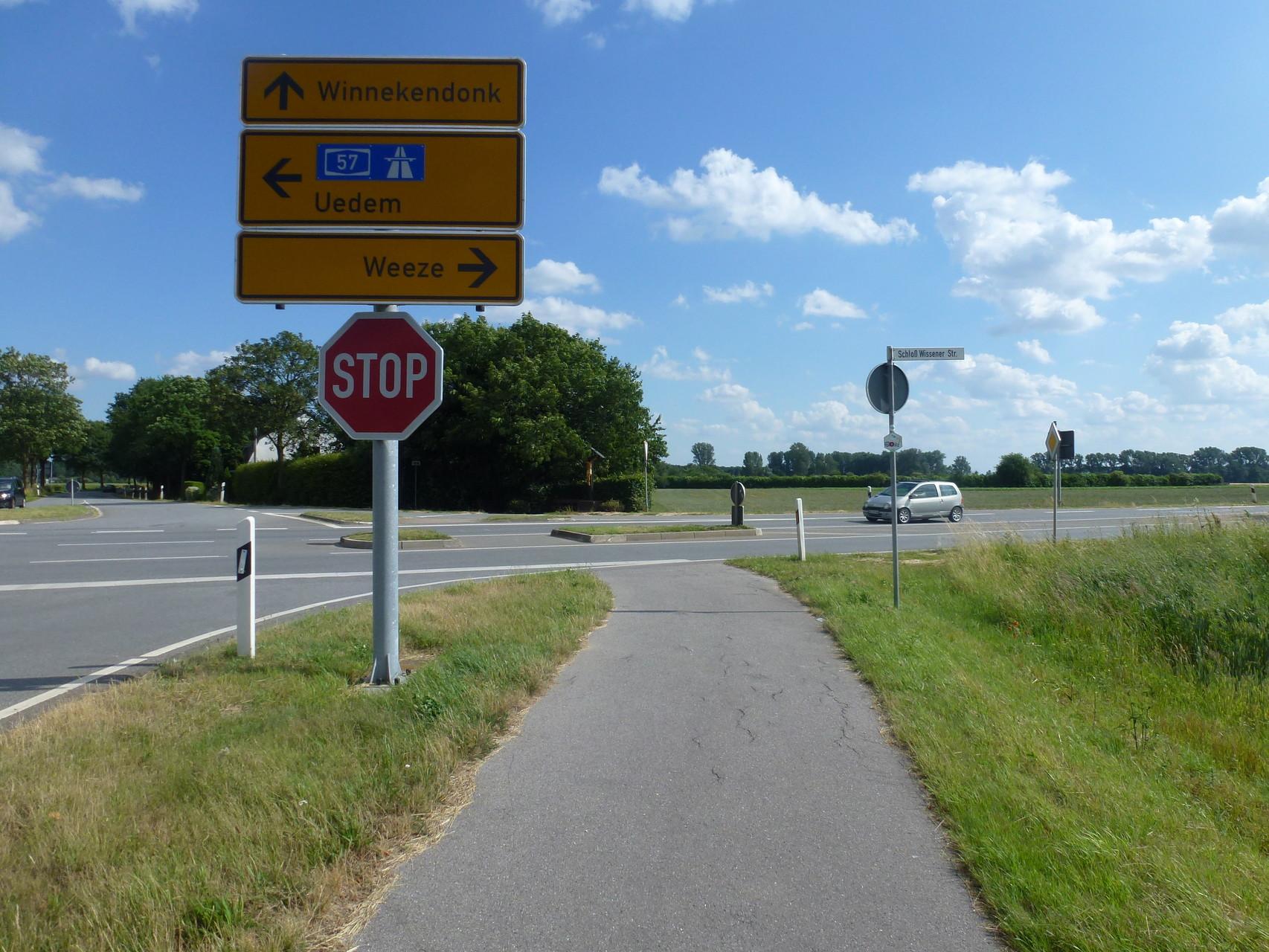 rechts Radweg