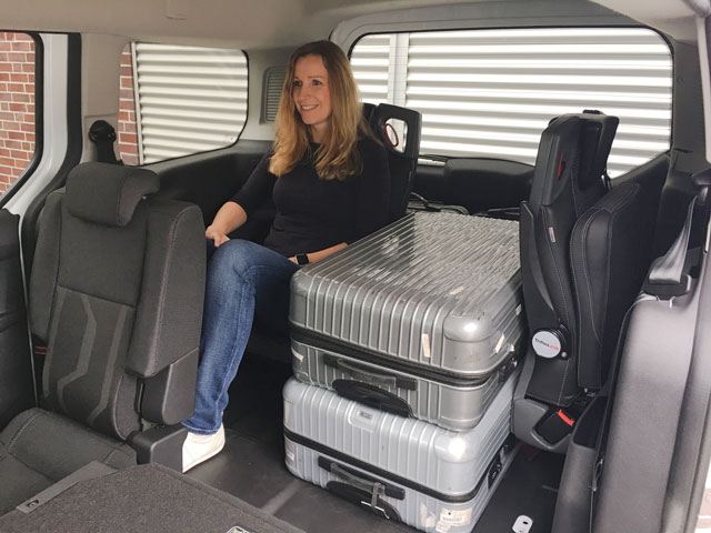 Connect with seat solution for taxis - AMF-Bruns