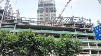 まだまだたくさん建築してる。 今日、仕事中歩いてた。 浦東。