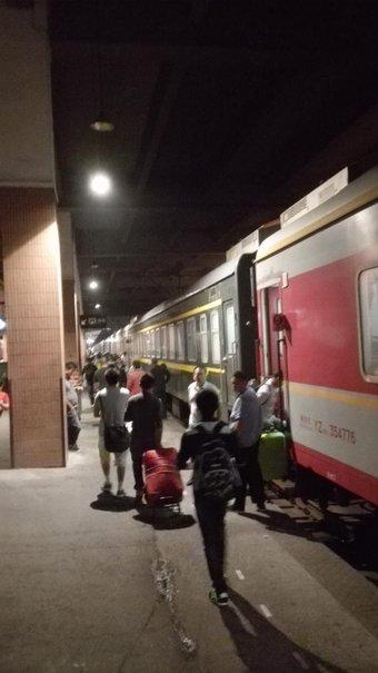 帰りの電車。 杭州から上海に戻る。