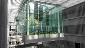 浦東図書館。 地下鉄7号線「錦绣路」站から歩いて10分くらいだった。