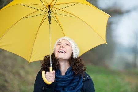 Das Immunsystem ist wie der Schirm gegen den Regen: Schutz gegen körperfremde Eindringlinge.