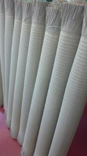 日野市 畳おもて替え準備 1帖1帖スプレーかけをしてからクルクル巻きます