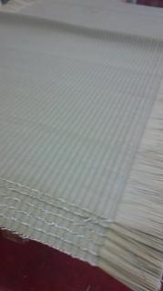 畳おもて逢着前の様子 畳おもては「織物」ですので「耳」があります
