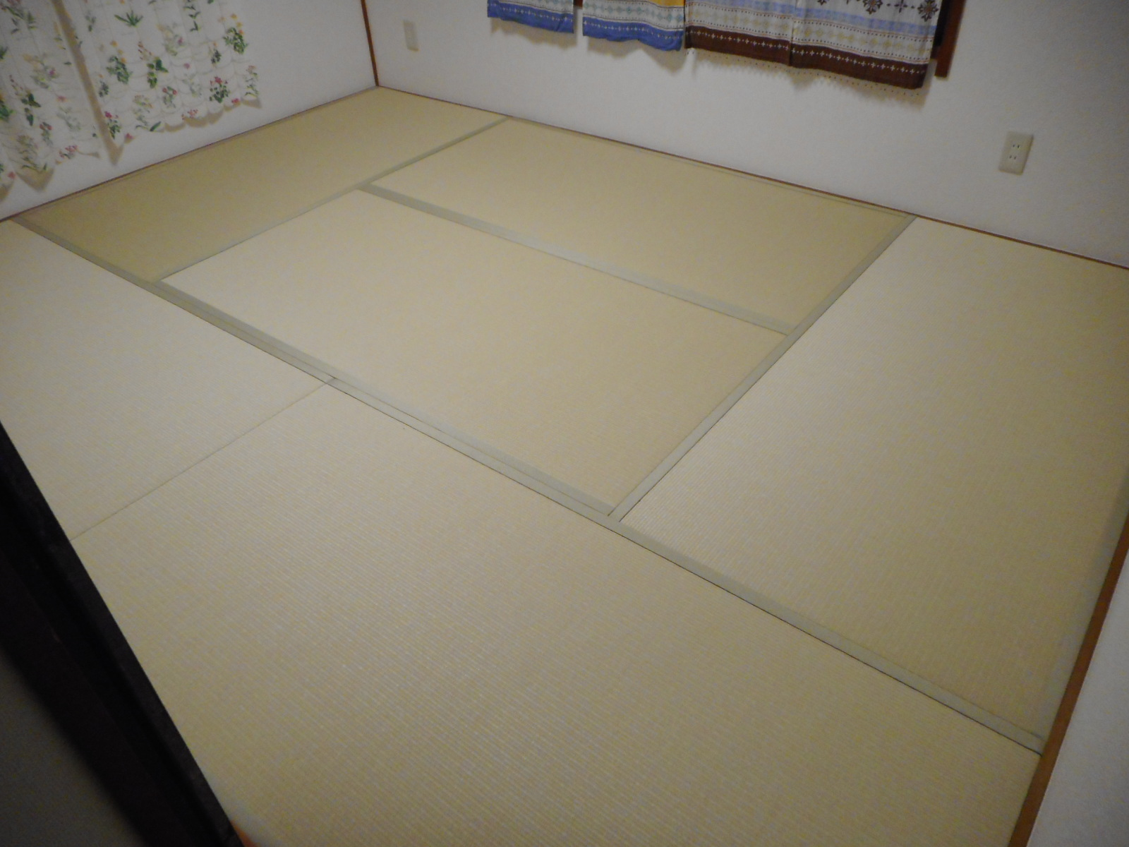 """和紙風畳おもて""""ダイケン""""畳縁と色を統一してフラットな床面に★"""