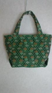 畳縁(へり)で作ったバッグ!緑がベースの小菊模様❤