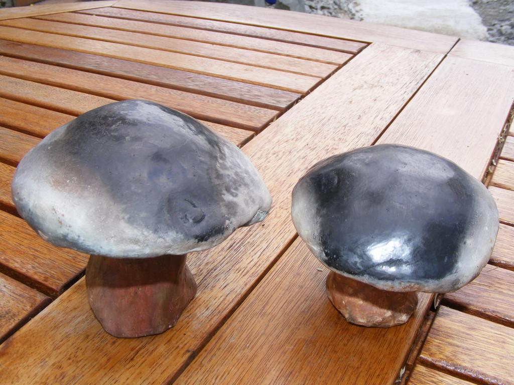 pitfire faszination niedrigbrand maoridesign keramik unikate kunst. Black Bedroom Furniture Sets. Home Design Ideas
