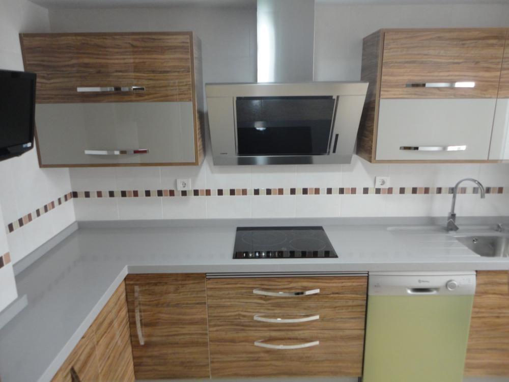 Cocina torredelcampo en olivo y gris cocinas jaen for Muebles de cocina jaen