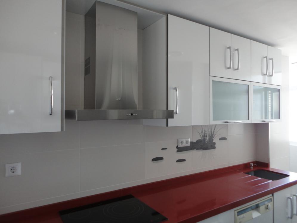 Cocina roja y blanca jaen cocinas jaen - Cocinas rojas y blancas ...