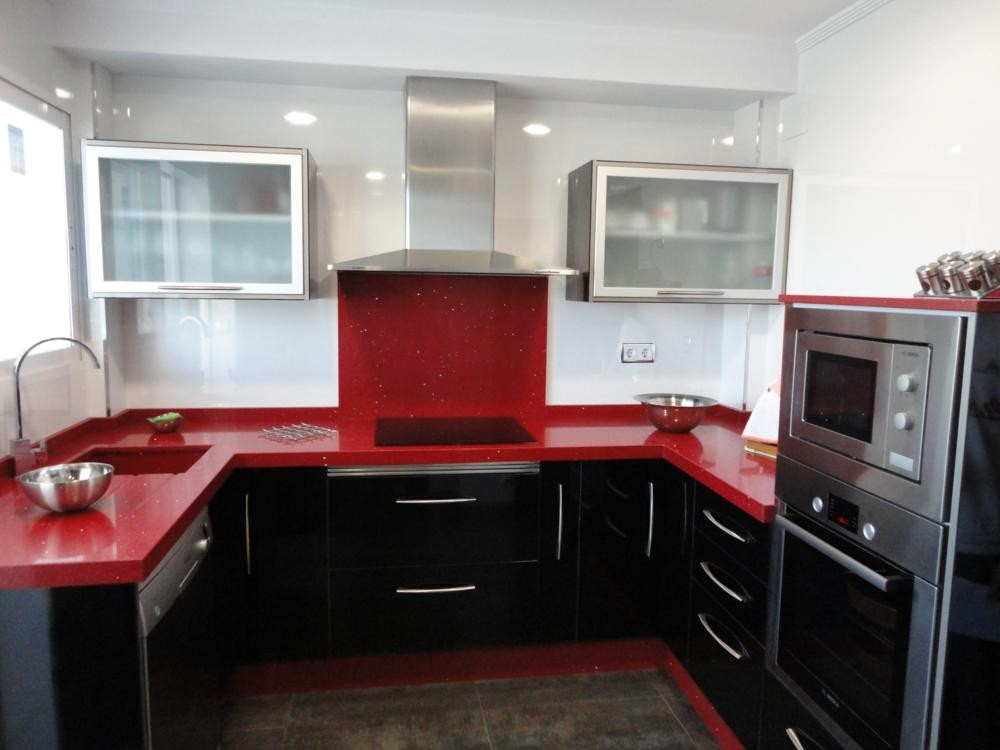Cocina martos negra cocinas jaen for Muebles de cocina jaen