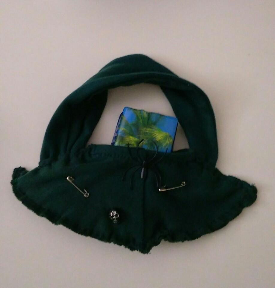 Kleine Gothiktasche für Portmanaie und Ausweis