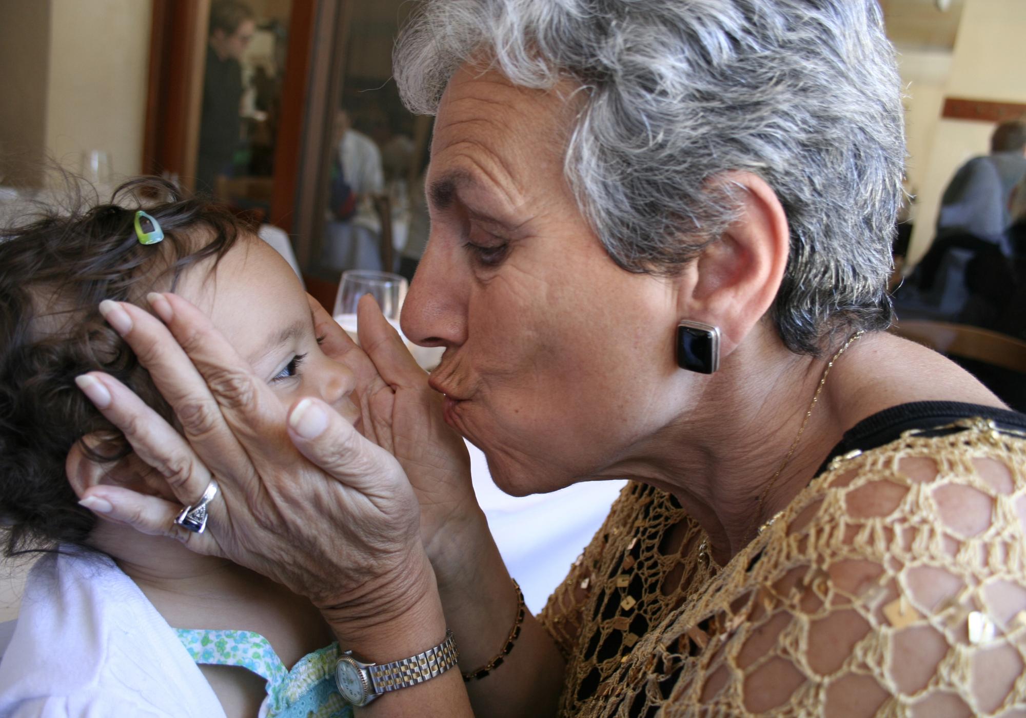 Gib der Oma mal einen Kuss
