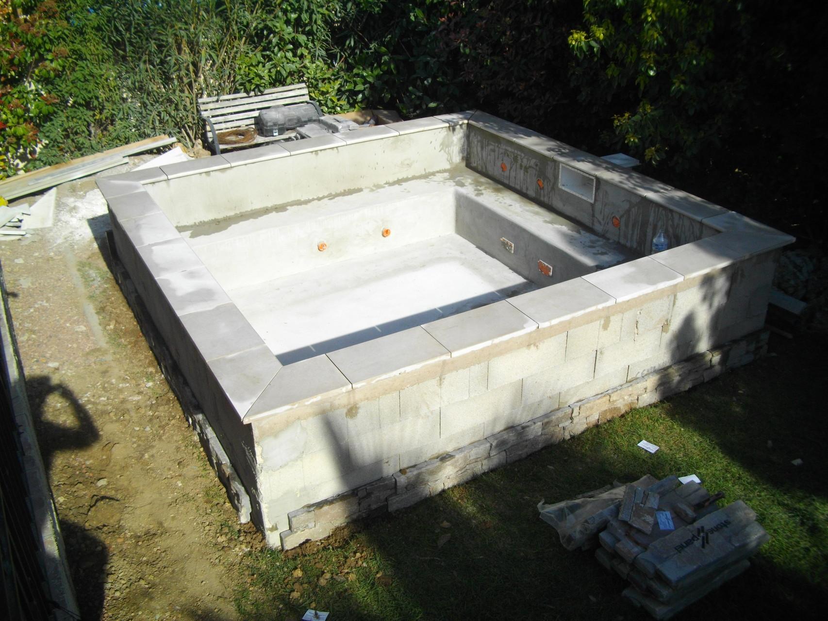 Constructeur de piscines et spas 0660978914 piscine kachou for Installateur de piscine