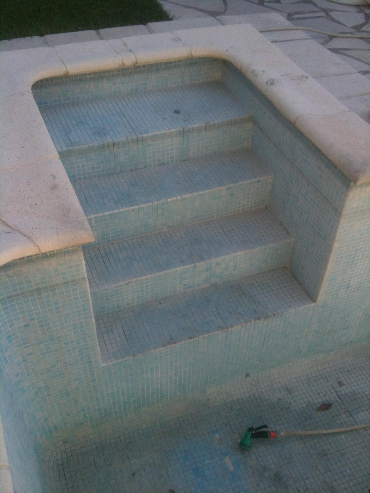 les escalier piscine