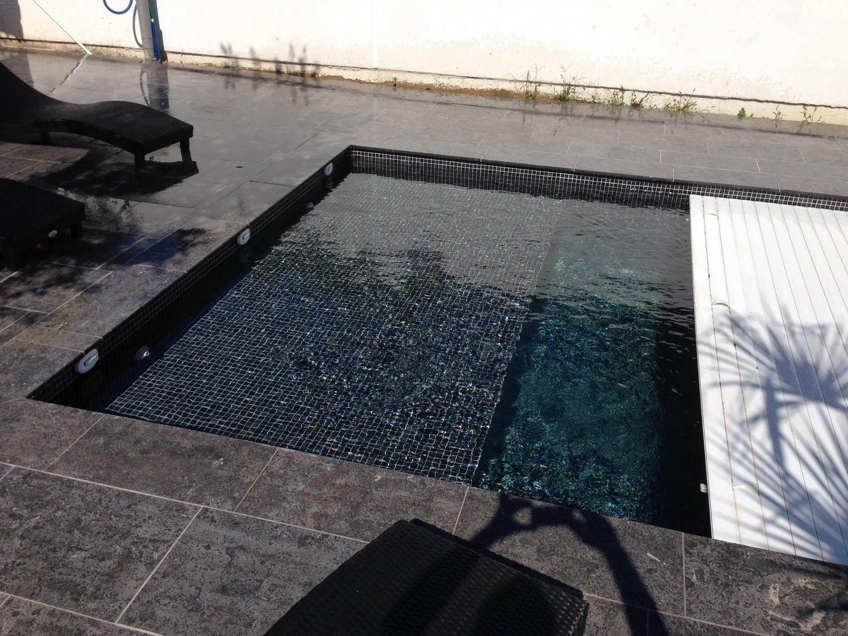 piscine avec volet roulant montpellier