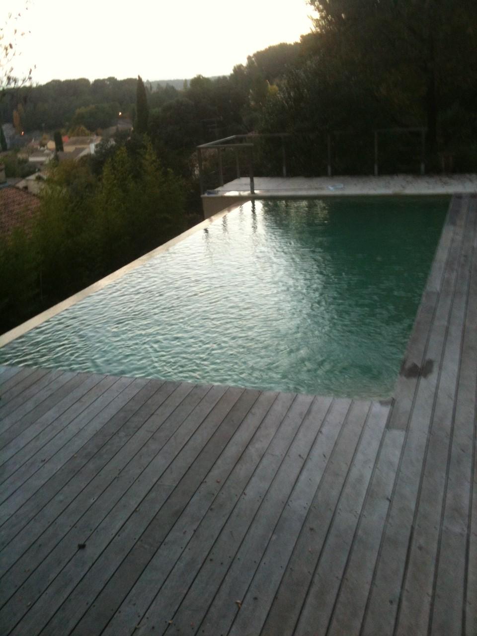piscine a débordement  clapiers