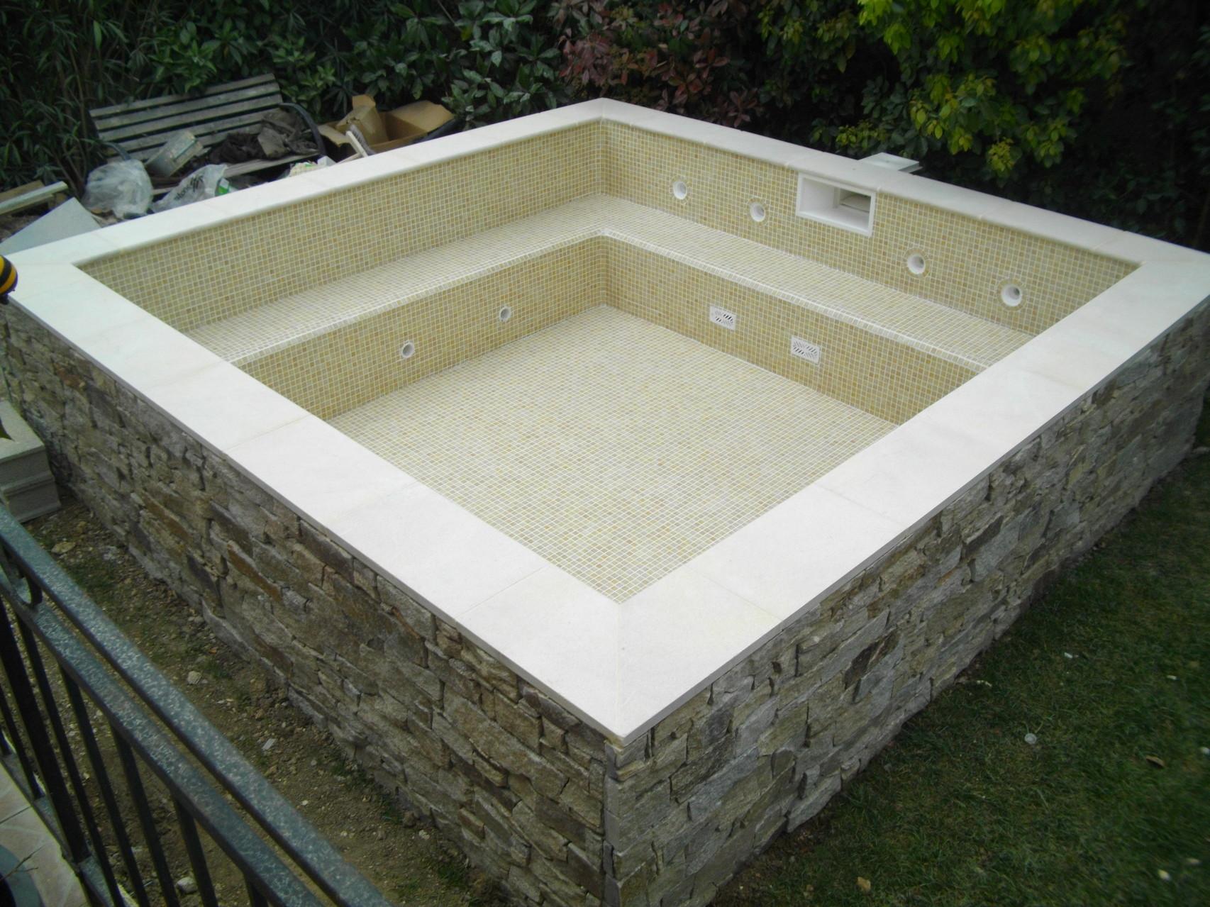 devis piscine montpellier