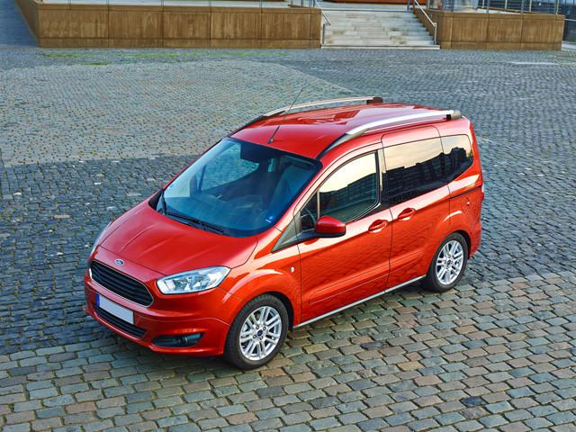 Ford Tourneo Courier 1.5 TDCi 95 cv Titanium, CANONE 305 EURO