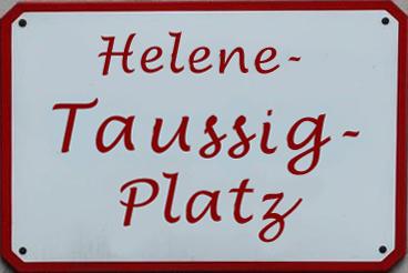 """Straßenschild eines möglichen Salzburger """"Helene-Taussig-Platzes""""; Grafik ©: Memory Gaps 2020"""