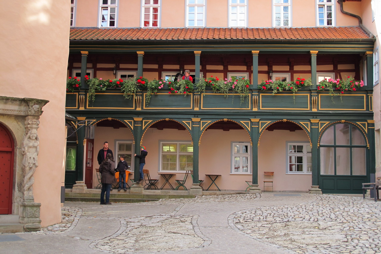 der malerische Veranda im Innenhof  der Burg Bodenstein